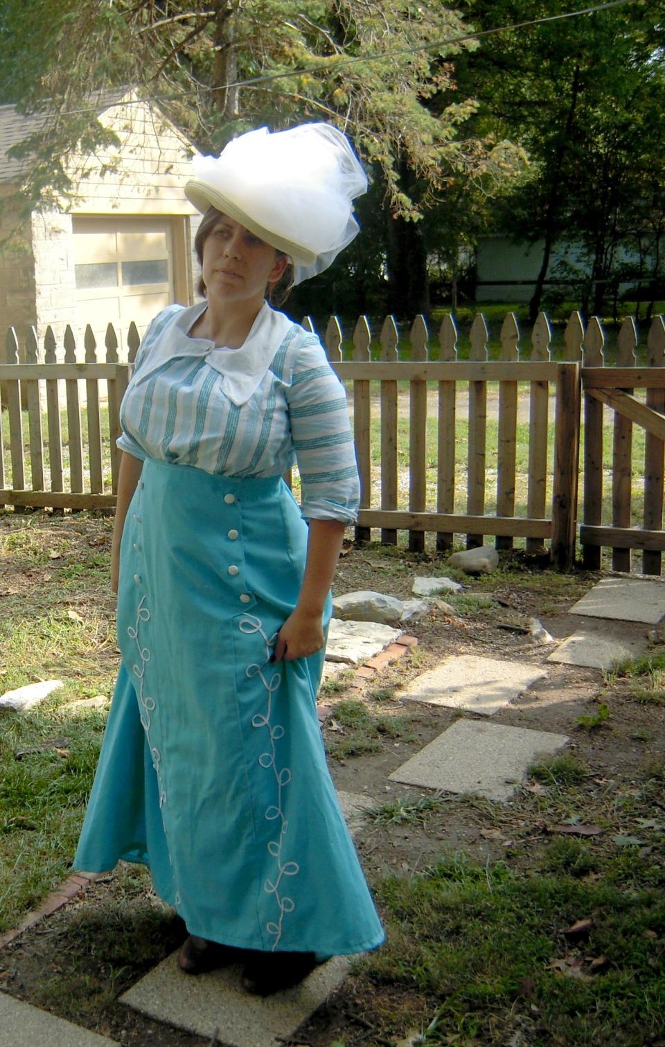Titanic costume side front