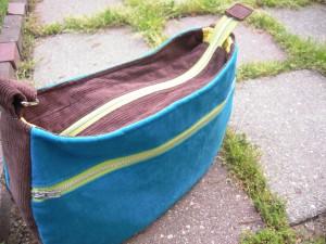 Daytripper zippered pocket side