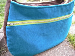 Daytripper zippered pocket closed