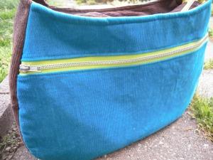 Daytripper zippered pocket closed